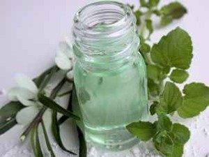 lechenie-gribka-nogtej-nog-preparaty-dlya-lecheniya 1