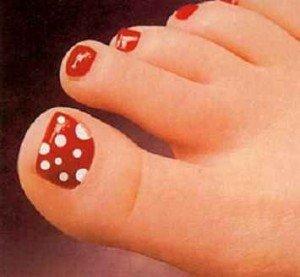 Плесневый грибок на ногтях ног, фото и признаки